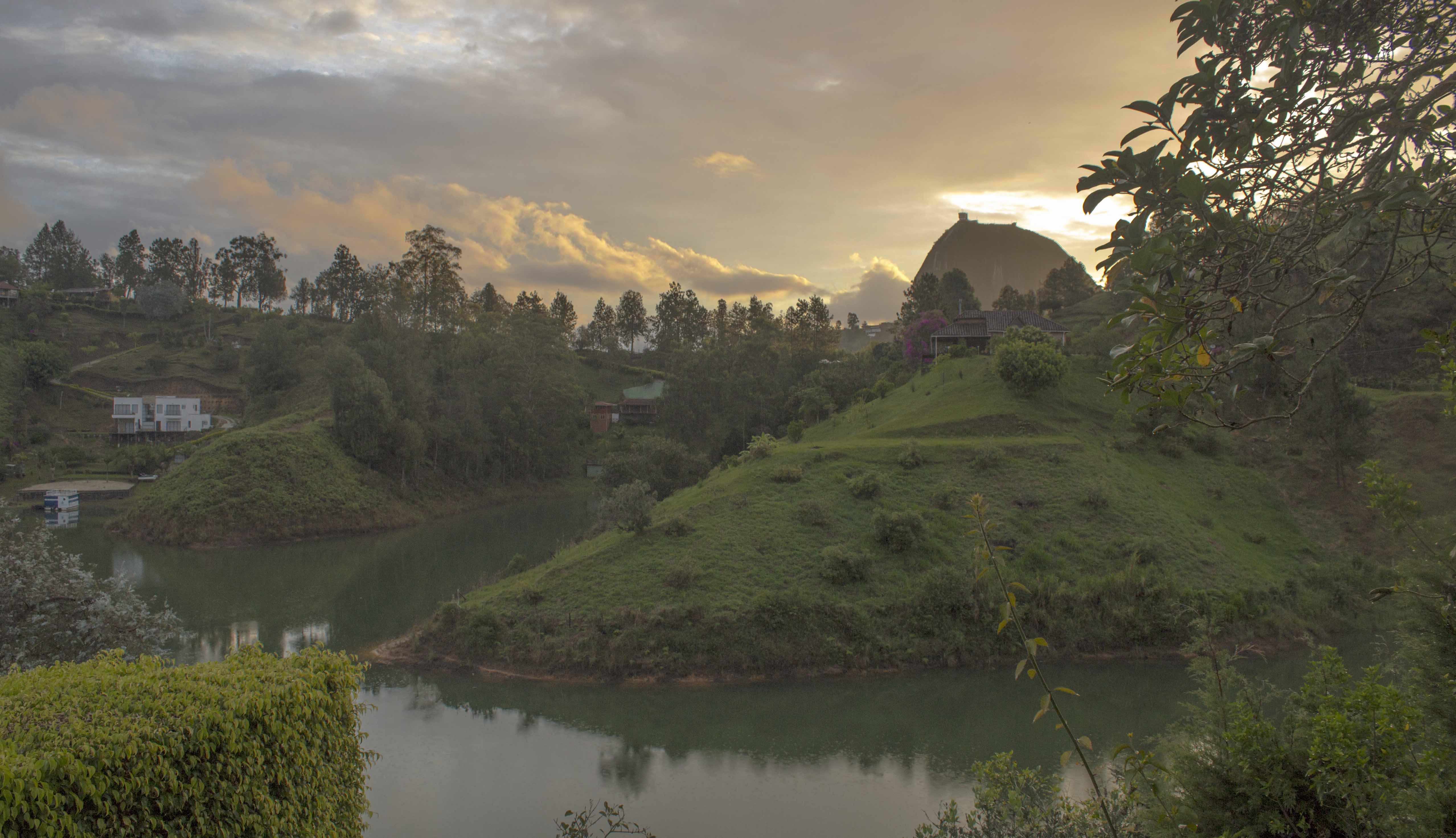 lake house in guatape