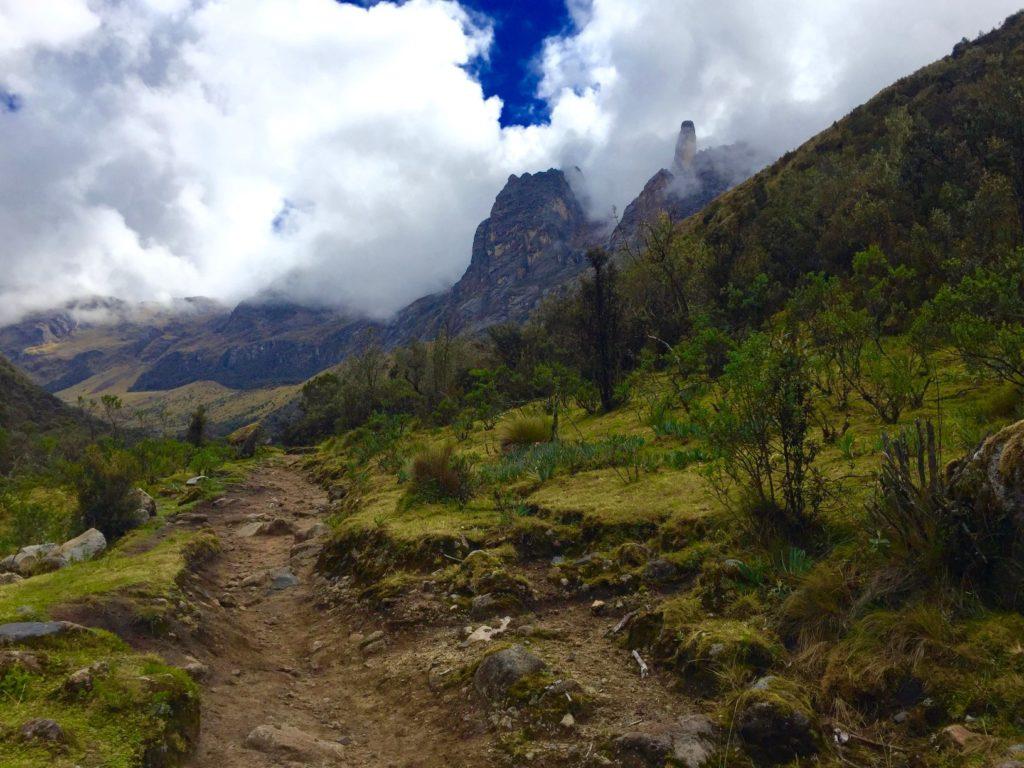 mountains and trail on the Santa Cruz Trek