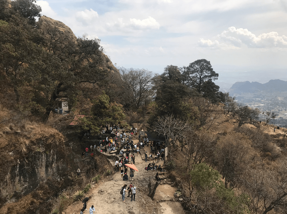 crowds at the top of the Tepozteco ruins