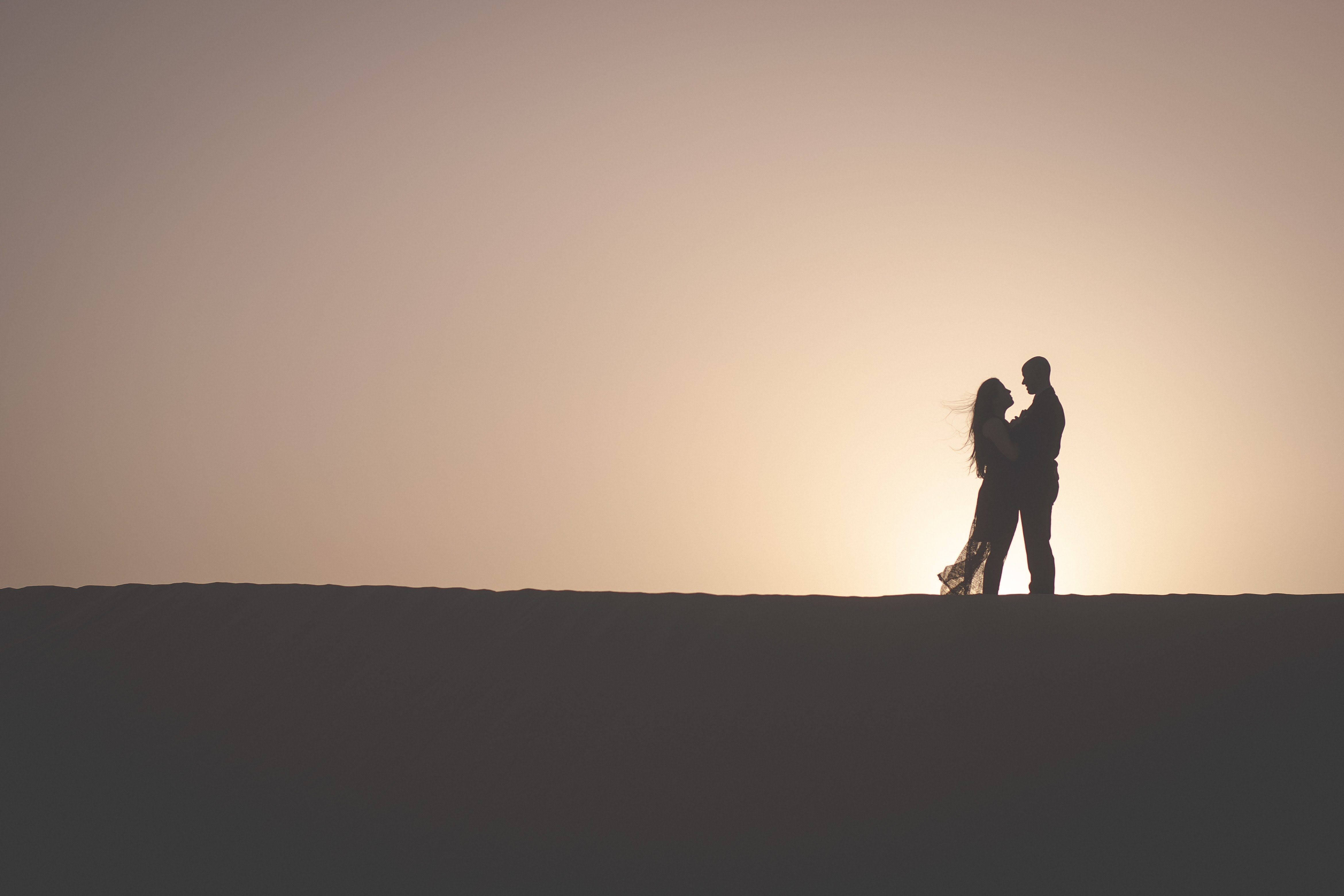 desert engagement photo at sunset
