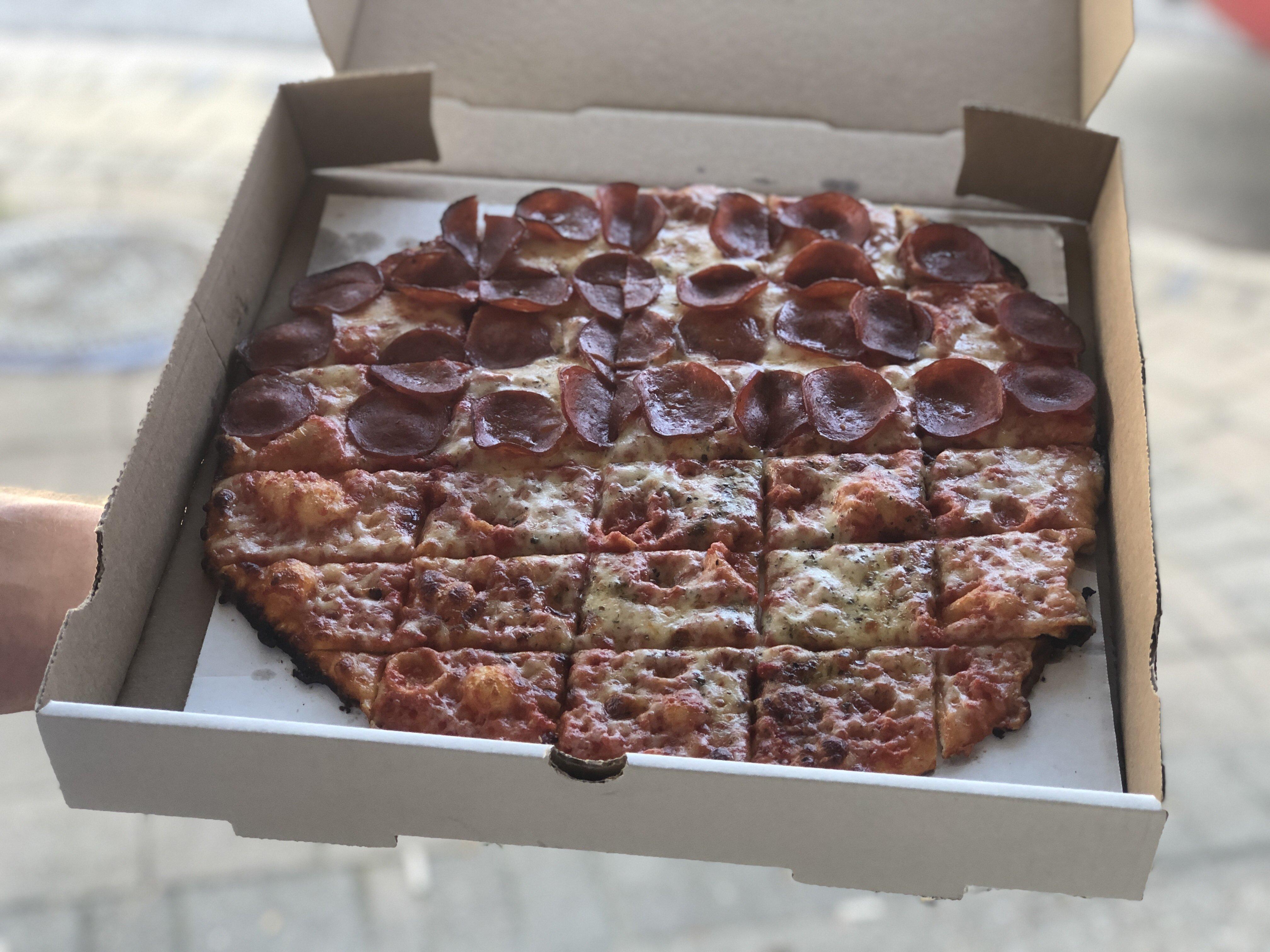 Ron's pizza