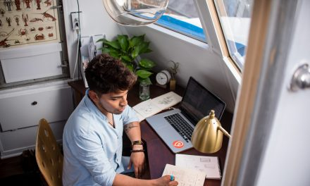How to Convince Your Boss to Let You Work Remotely(in 7 Steps)