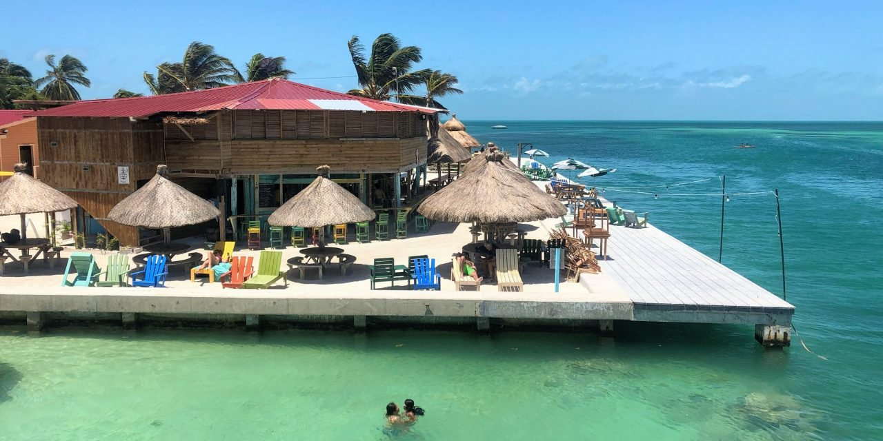 3 Best Beach Bars on Caye Caulker + Map and Prices