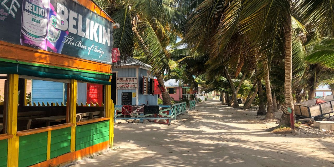 6 Best Cheap Restaurants on Caye Caulker + Menus and Map