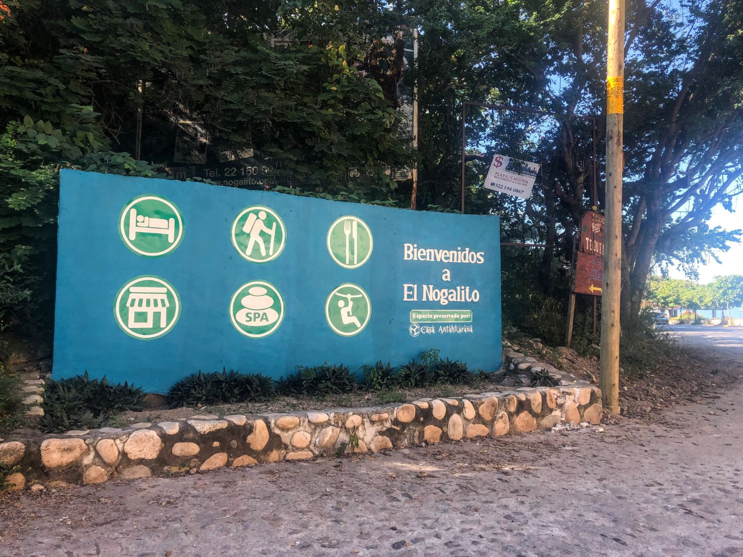 Welcome to Nogalito sign