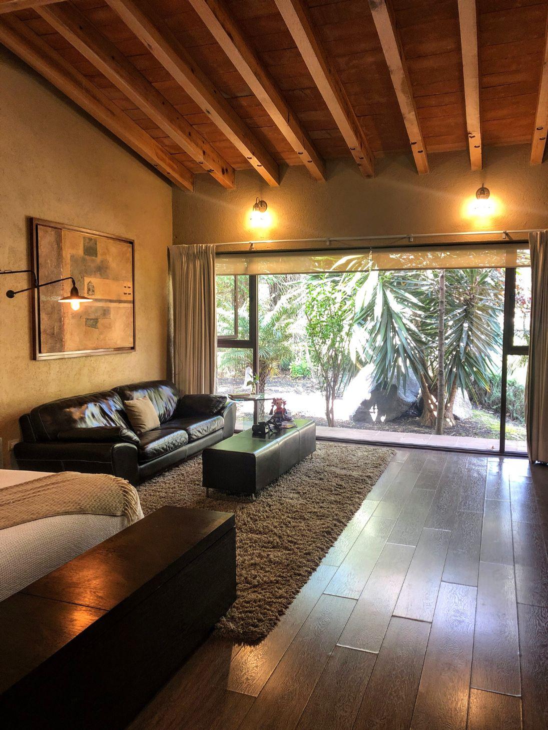 Tempranillo Room at Maria y Bernardo