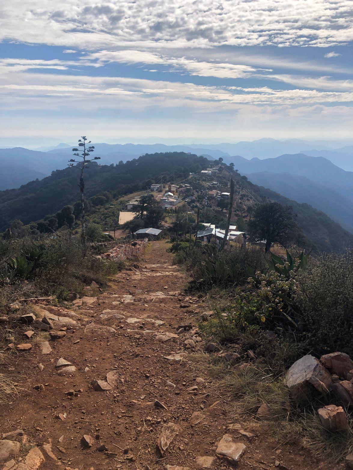 hiking to the Mirador de Cuatro Pelos