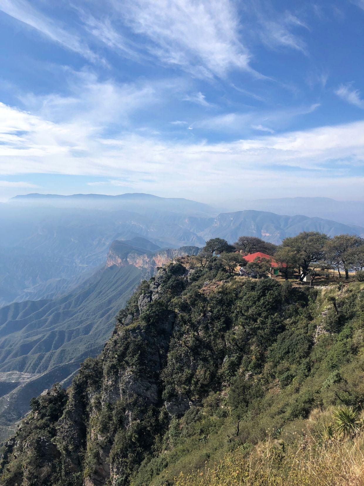 hiking to the Mirador de Cuatro Pelos viewpoint