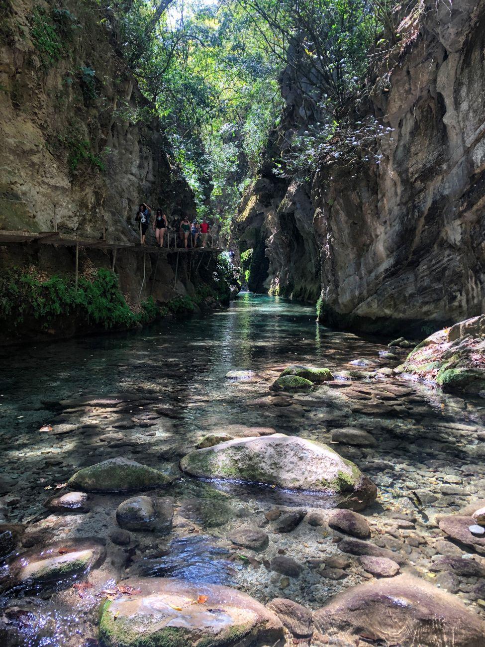 Hiking to the Puente de Dios waterfall in Sierra Gorda